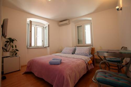 Residencia Rooms Denis
