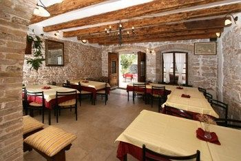 Bed & Breakfast Kastel Pansion & Restaurant