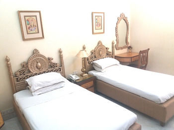 Hotel Bajaj Indian Home Stay