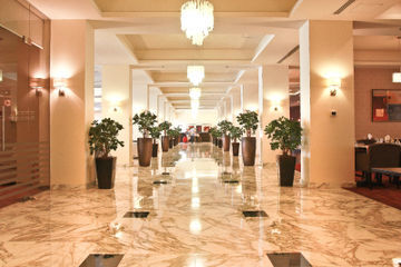 Hotel Golden Tulip Grand Palace