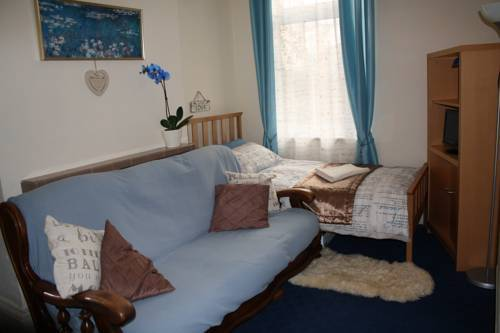 Residencia East Midlands Guesthouse