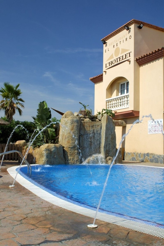 Hotel l 39 hotelet cambrils tarragona for Hotel familiar cambrils