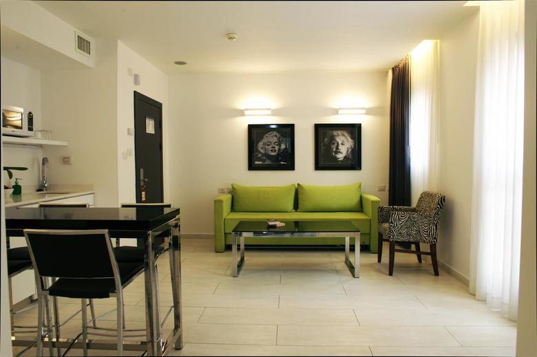 Best Western Regency Suites Hotel