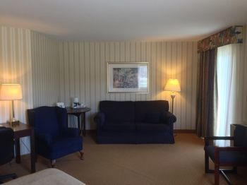 Hotel Quality Inn  Suites Brossard