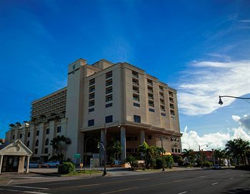 Hotel Holiday Resort Guam