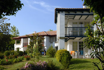 Hotel Residence P&v Le Domaine De Bordaberry