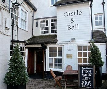 Hotel Castle And Ball