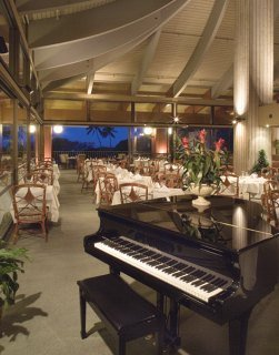 Hotel Makaha Resort (.)