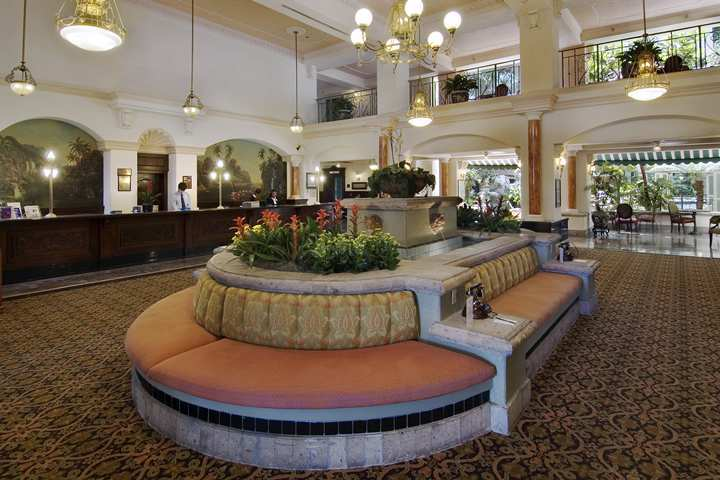 Hotel Embassy Suites Santa Ana / Orange County Airport