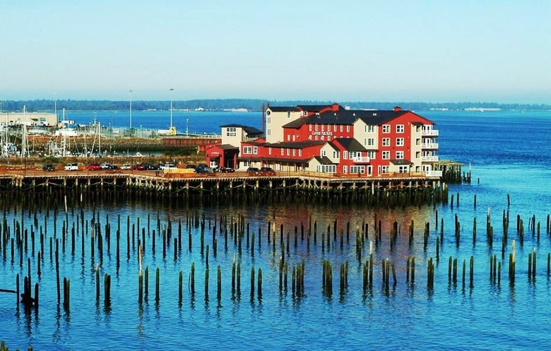 Hotel Cannery Pier