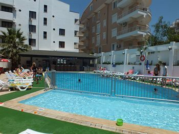 Hotel Tuntas Apartments Altinkum