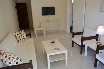 Residencia Lordos Hotel Apartments