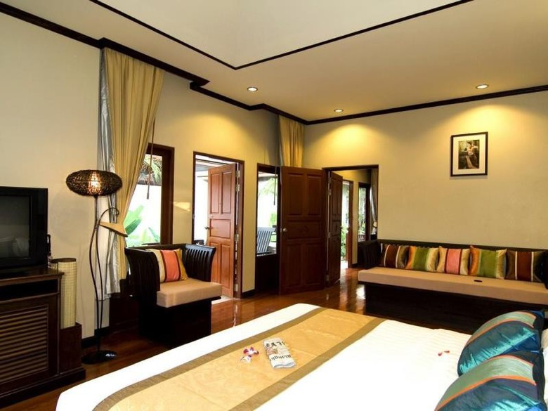 Hotel Kanok Buri Resort & Spa