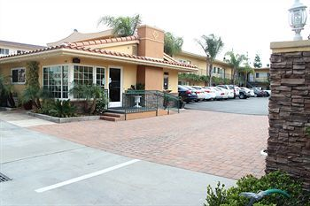 Hotel Anaheim Islander Inn And Suites