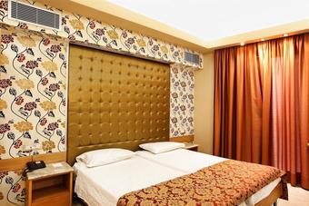 los 30 mejores hoteles en heraklion. Black Bedroom Furniture Sets. Home Design Ideas