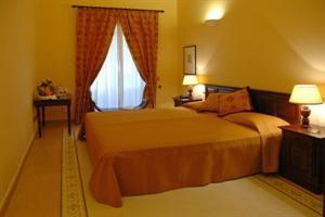 Los 2 mejores hoteles de 4 estrellas en termini imerese - Piscina termini imerese ...