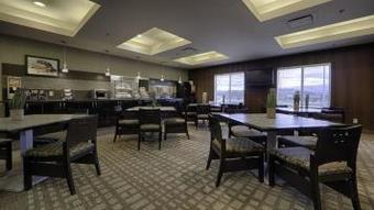 Best Western Wine Country Hotel & Suites