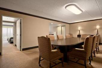 Hotel Embassy Suites Philadelphia - Airport