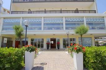 Los 10 mejores hoteles con habitaciones adaptadas en for Boutique hotel milano marittima