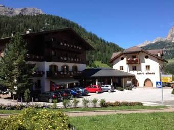 Los 6 mejores hoteles con cocina en corvara in badia - Hotel corvara con piscina ...