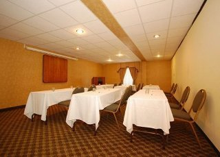 Hotel Quality Suites Pineville
