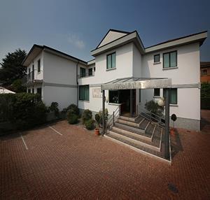 Hoteles con accesos adaptados en porto mantovano - Piscina porto mantovano ...