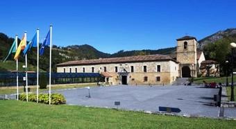 Hotel Parador De Cangas