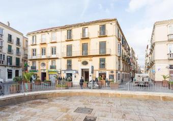 Apartamento Urbe10 Plaza De La Merced 3 Bedroom Apartment