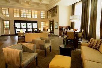 Hoteles con accesos adaptados en santa ana for 2720 hotel terrace drive