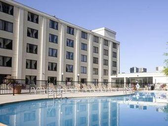 Los 3 mejores hoteles de 4 estrellas en kansas city mo for Holiday inn express garden city ks