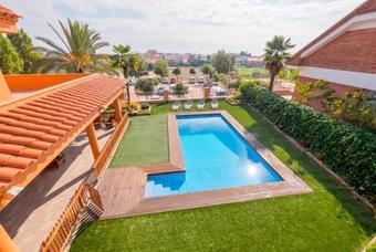 Santa Susanna Villa Sleeps 10 Pool Air Con Wifi