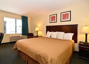 Hotel Quality Inn I-5 Naval Base