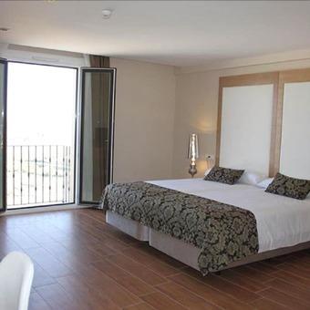 Hotel Hvm Medinasalim