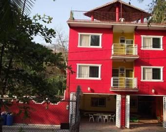 Los 7 mejores hoteles con piscina en los ayala for Villas quinta minas