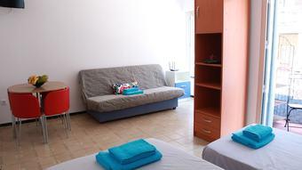 Apartamentos Estudios Mundobooking