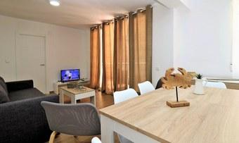 Apartamentos Apartamento Tugar 2-4