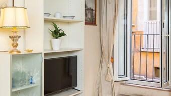 Apartamento Rental In Rome Falegnami