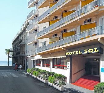 Hoteles cercanos a museo de cera en benidorm - Hostal el jardin benidorm ...