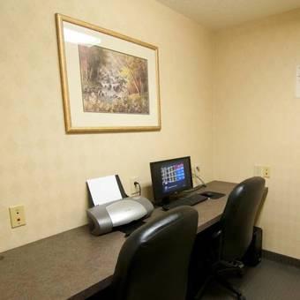 Hotel Best Western Executive Inn - Latta