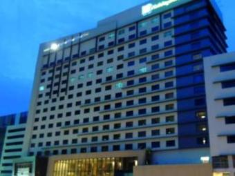 Hotel Holiday Inn & Suites Makati