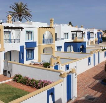 Los 30 mejores hoteles con piscina en roquetas de mar for Hoteles con piscina en almeria