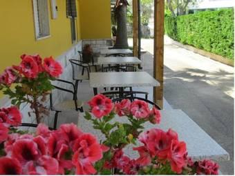 Los 6 mejores hoteles de 3 estrellas en ostuni for Tropical hotel ostuni