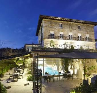 Los 10 mejores hoteles con piscina en vizcaya provincia for Hoteles en bilbao con piscina