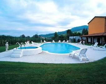 Hoteles en fornovo di taro - Piscina sala baganza ...