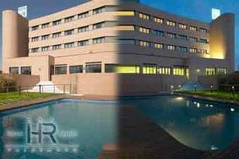Hoteles con piscina en valdemoro for Hoteles nh madrid con piscina