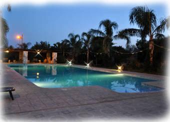 Hoteles con tina de hidromasaje en francavilla fontana - Piscina francavilla fontana ...