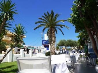 Los 4 mejores apartahoteles en stalis for Apartahoteles familiares playa