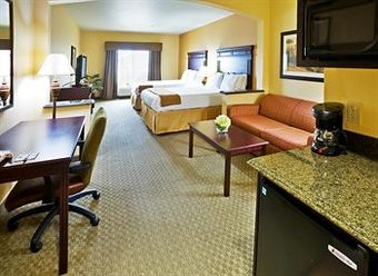 Holiday Inn Express Hotel And Suites Texarkana