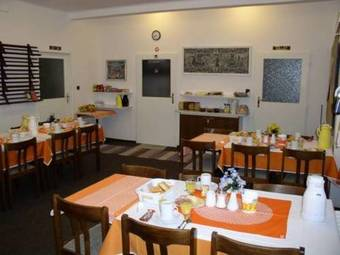 Hostal Church Pension Praha - Husuv Dum