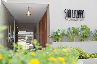 Hotel San Lazaro Art Style